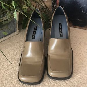 NWOT new Nine West tan loafers